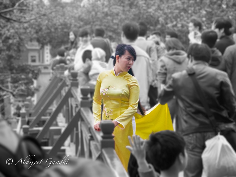 Vietnam_Hanoi_Woman_In_Yellow